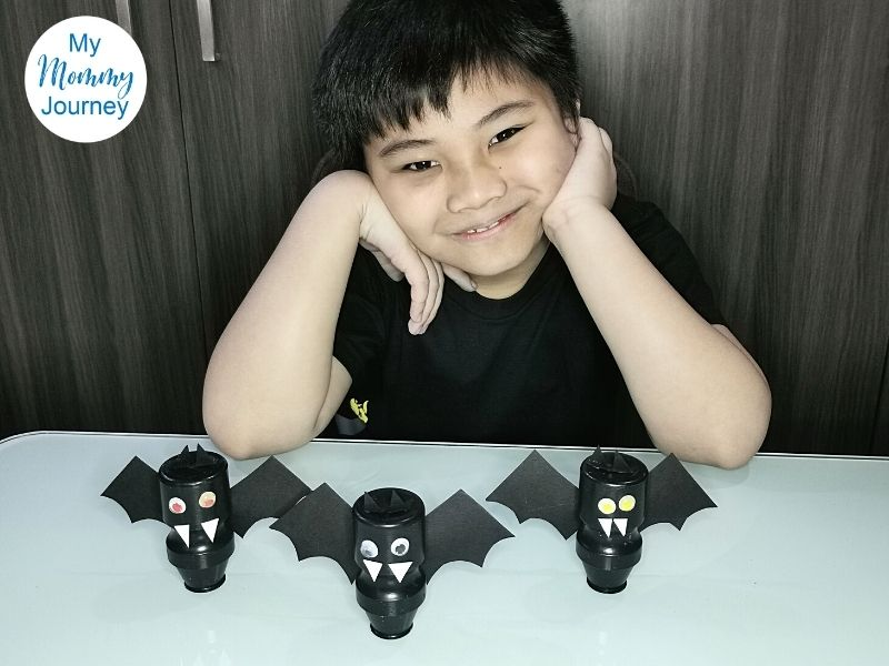 Halloween Bats Yakult bottle craft procedure