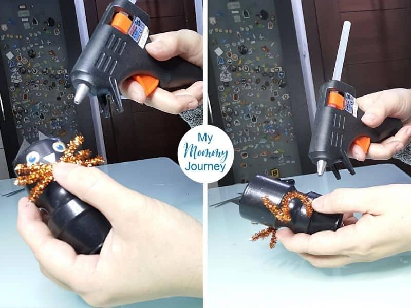 Halloween Black Cat Yakult Bottle Craft glue gun assembly