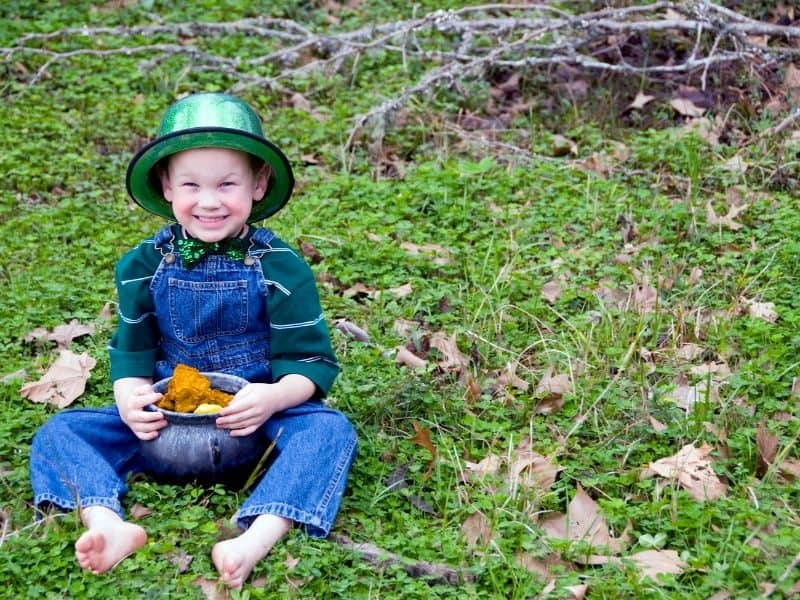 St. Patrick's Day Scavenger Hunt for Kids outdoors